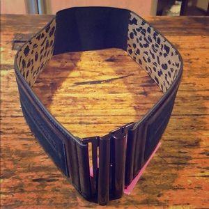 Betsy Johnson patent stretch belt